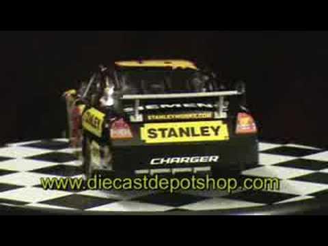 Elliott sadler 2008 stanley tools 1 24 nascar diecast - Diecastdepotshop ...