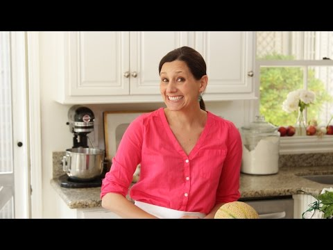 Beth&#39;s Easy Summer Dinner | ENTERTAINING WITH BETH<a href='/yt-w/Wl21E-Zicr4/beth39s-easy-summer-dinner-entertaining-with-beth.html' target='_blank' title='Play' onclick='reloadPage();'>   <span class='button' style='color: #fff'> Watch Video</a></span>
