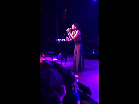 Fiona Apple - Fast as you can - LIVE Royale, Boston MA 3/27/2012.MOV