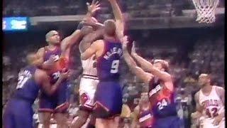 Michael Jordan vs Phoenix Suns (4 on 1)