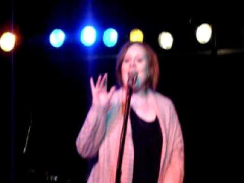 """Adele LIVE in Nashville performing (beginning) """"Cold Shoulder"""""""