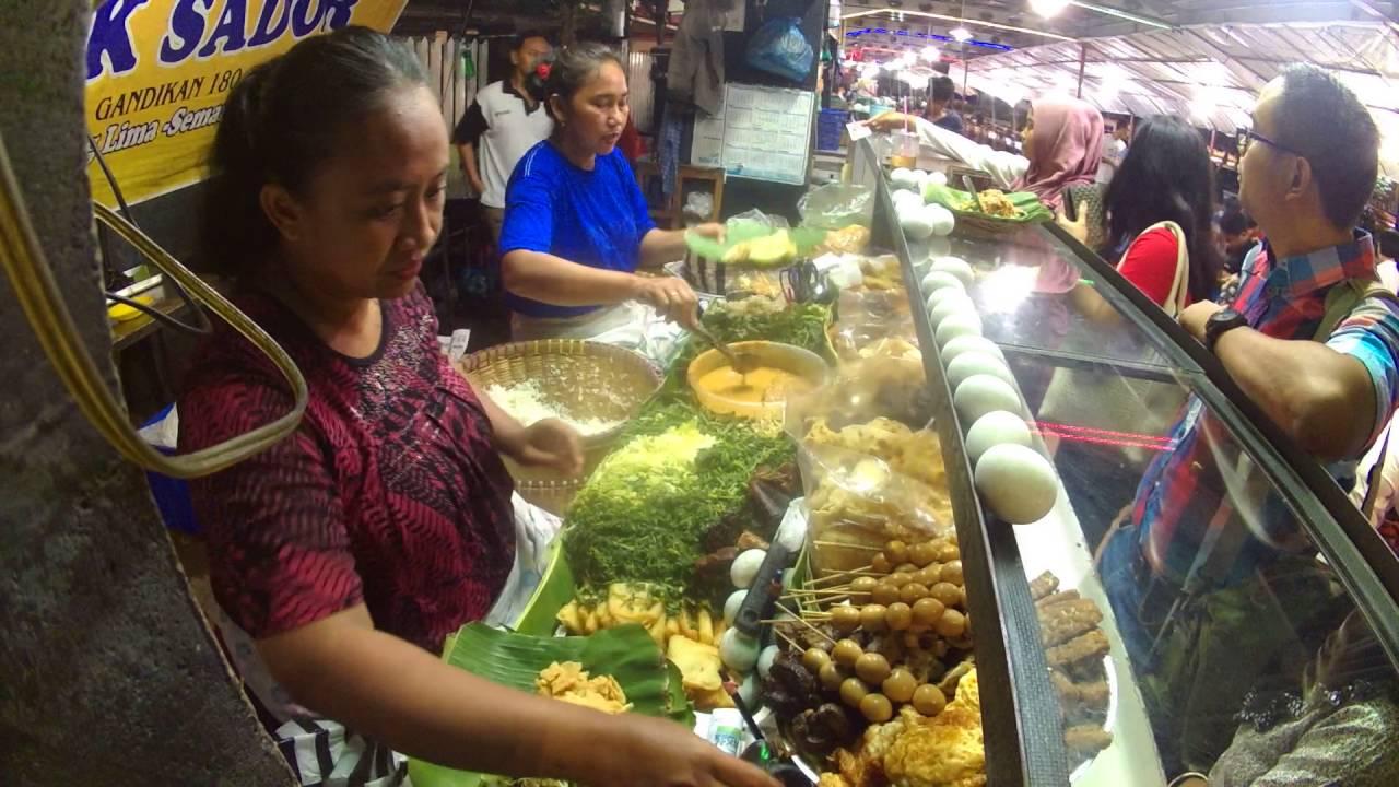 Wisata Kuliner Pecel Mbo Sador Simpang Lima Semarang
