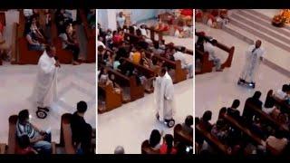 I Love Science RU / Филиппинский священник провел мессу на ховерборде(, 2015-12-30T08:09:02.000Z)
