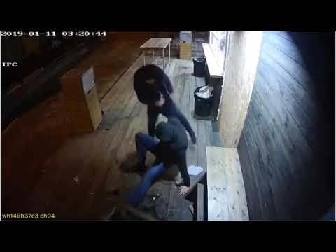 Драка с применением ножей около Сакса в Пятигорске попала на видео