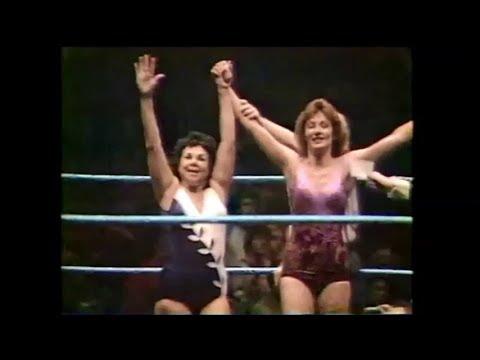 The Fabulous Moolah & Sherri Martel vs. Judy Martin & Penny Mitchell,  6-5-1982