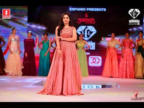 Saniya Iyappan | Indian Fashion League Season 3 | Showstopper | Fashion Show | Espanio | IFL3