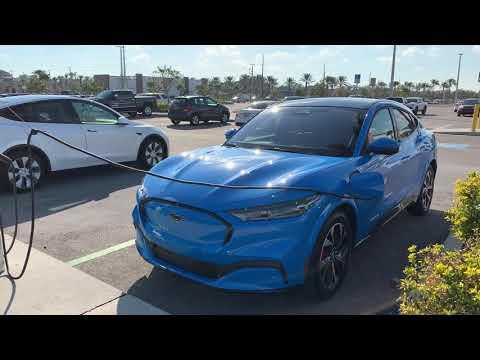 Ford Mustang Mach-E Tech, + Cargo Space vs Tesla Model Y Cargo Space