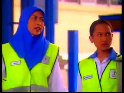 Drama Raya, Toll Gate Girl 2001 from YouTube · Duration:  1 hour 52 minutes 43 seconds