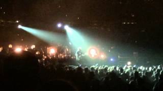 pearl jam lukin rearviewmirror live in st louis mo 10 3 2014