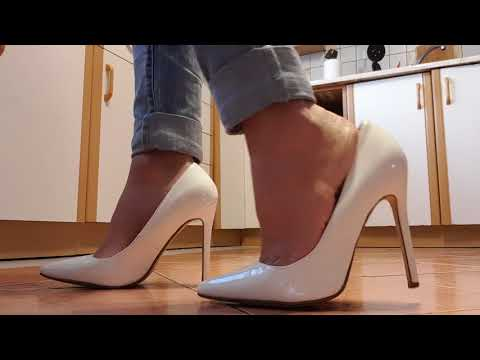 Fetish LadyIVe white high heels and hot pepper thumbnail