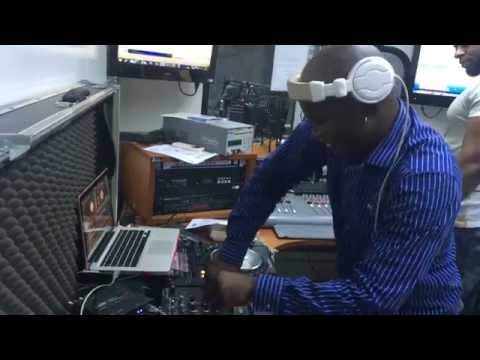 DJ LUTONDA NA RADIO LUANDA 7 DE HOUSE