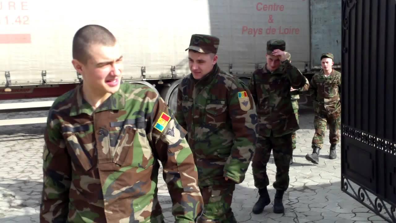 Militari pe post de hamali la Mitropolia rusă în Moldova