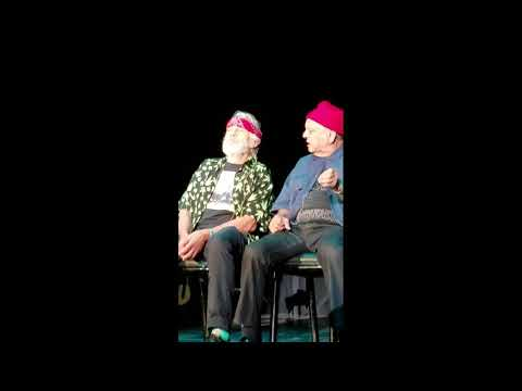 TRY NOT TO LAUGH!!! CHEECH & CHONG LIVE!!!