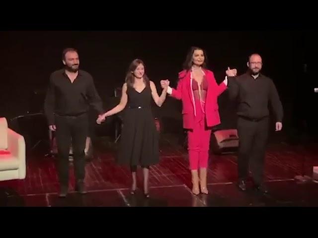 RED Α DARK CABARET με τη Νίνα Λοτσάρη - Χειροκρότημα stellasview.gr