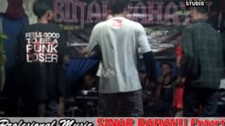 """SAYANG"" Organ Tunggal Live Panggung Bergoyang Asiiikk 2017"