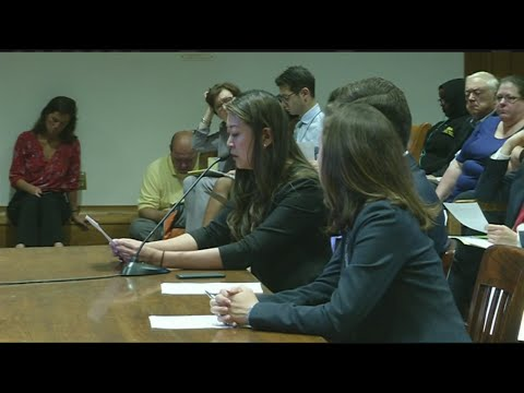 Lawmakers, teachers looking to increase funding for public schools