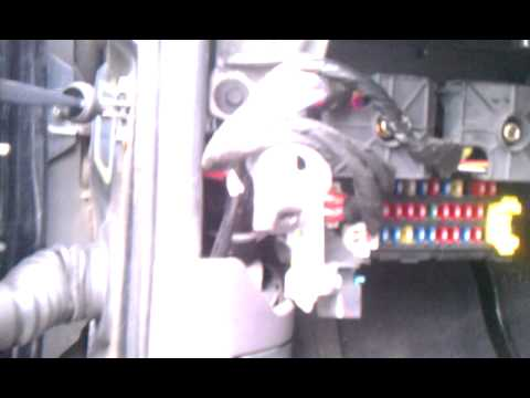 2001 Jeep Grand Cherokee Laredo Blinker Relay Fix - YouTube