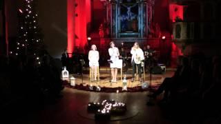 3 damer 3 stemmer jul med tradisjon