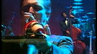 Paolo Conte - Don't Throw It In The W.C. (Live Napoli-Palazzo Reale)