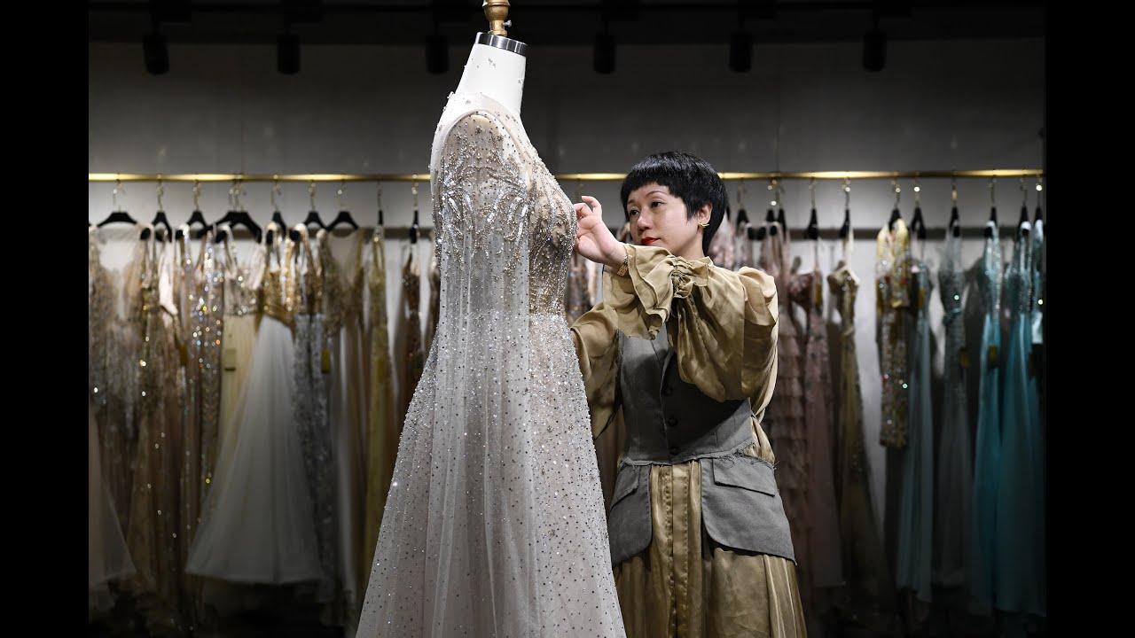 Upend American Brides Wedding Dress