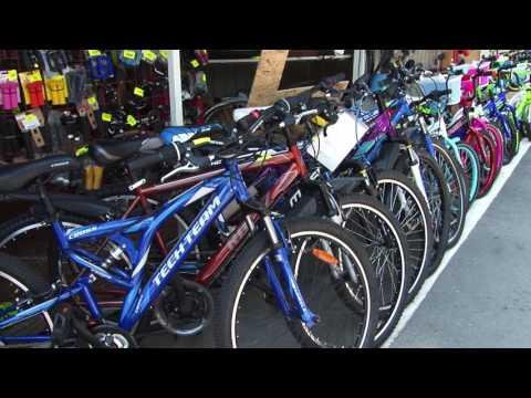 """Велосипеды на рынке """"Северный"""""""