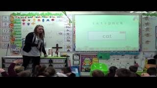 jolly phonics lesson in reception year 1 classroom