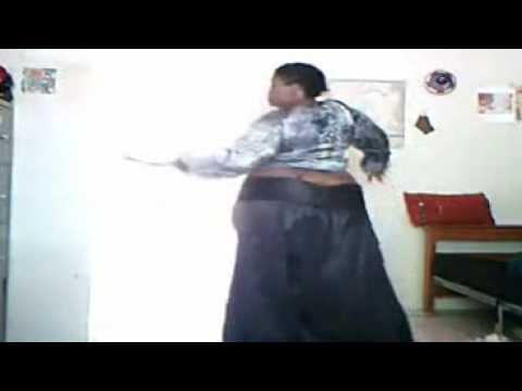 a dança da gorda sem calcinha