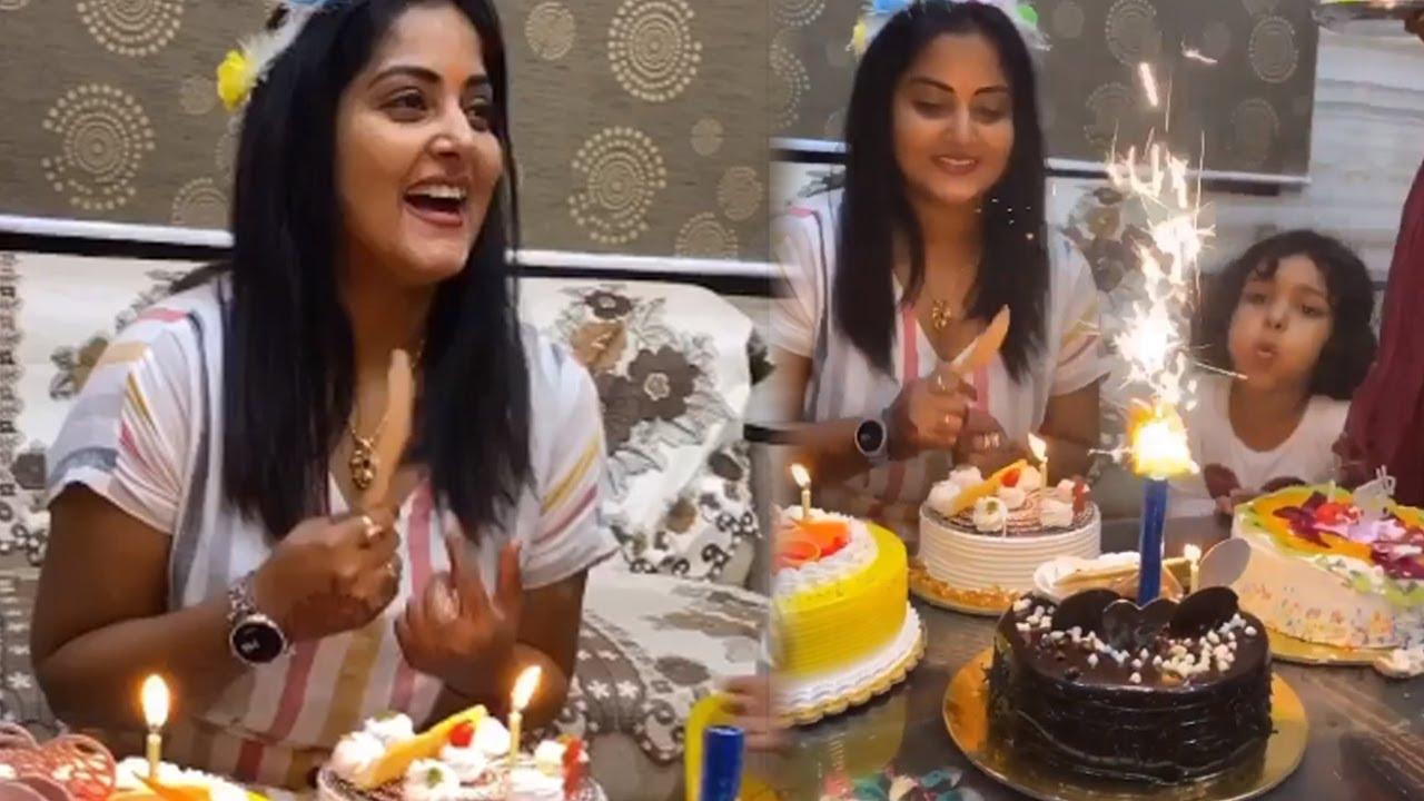 अंजना सिंह ने अपनी बेटी के साथ हैप्पी बर्थडे मनाया - Anjana Singh Birthday Party 2020
