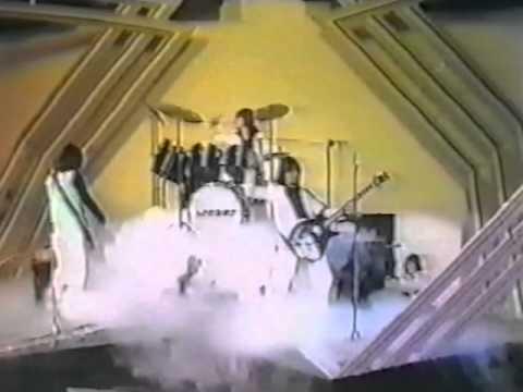 Arrows. I Love Rock N Roll, 1975