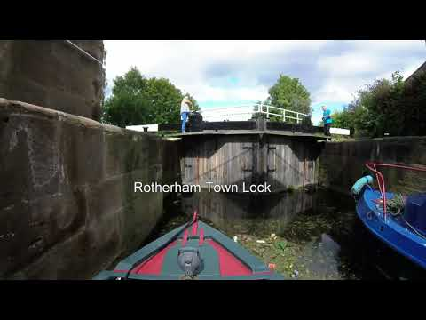 Timelapse: Rotherham on a Narrowboat (River Don Navigation)