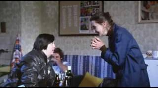 Requiem pro panenku (1991) - zlá Holubová, Valentová a Hanušová (sestřih)
