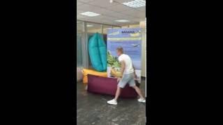 Белорусские БАНАНЫ без ГМО. Мануал по оригинальному надувному дивану-шезлонгу(, 2016-06-30T13:03:39.000Z)