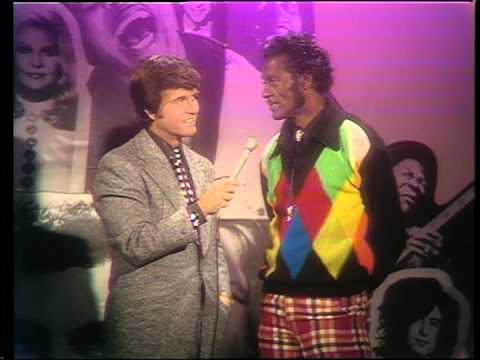 Dick Clark interviews Chuck Berry - Rock N Roll 1974 Part 4
