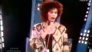Whitney Houston - All At Once(Live TOTP 1985).flv
