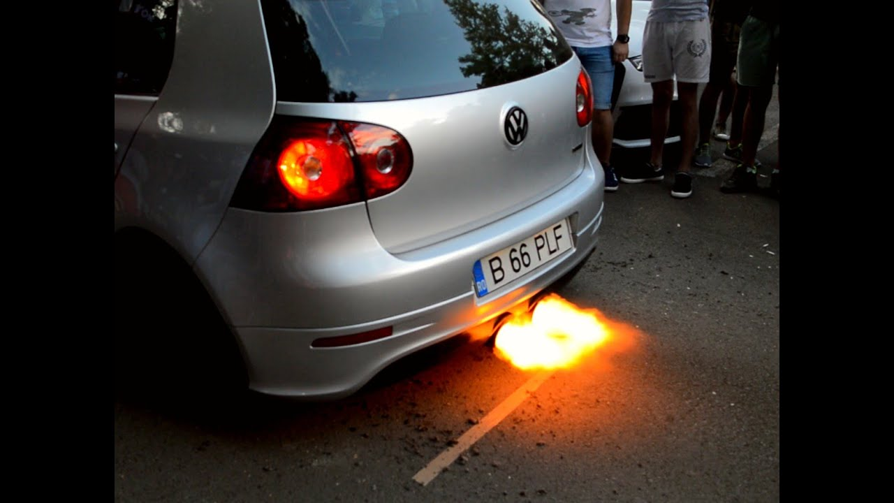 Volkswagen Golf 5 GTI Launch Control with Boost R32 Exhaust - Big Flame Anti Lag - YouTube
