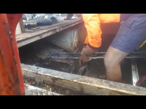 Engine Bay Clean up! -- Steel Boat Restoration