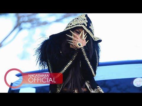 Fitri Carlina - Sandiworomu Luar Biasa ft. RPH (Official Music Video NAGASWARA) #music
