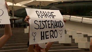 شاهد: احتجاج في سيدني دعما لهروب الفتاة السعودية رهف من أهلها…