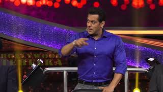 Salman Khan Sings Selfish Song From Race 3 & Trolls Media Reporter For Asking About His Marriage