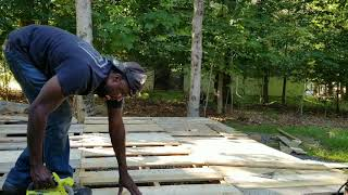 How to build a Deck out of Pallets! DIY pallets deck projects!
