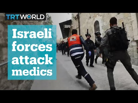 Israeli forces attack Palestinian medics tending injured