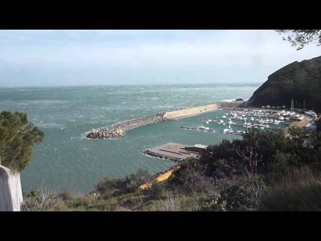 Tramuntana huracanada a Portbou  Febrer 2015  Part 3