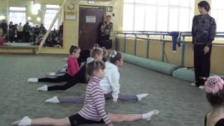 Показательное занятие по художественной гимнастике(Показательное занятие по художественной гимнастике 28.12.2013 года. Калуга, ДЮСШОР
