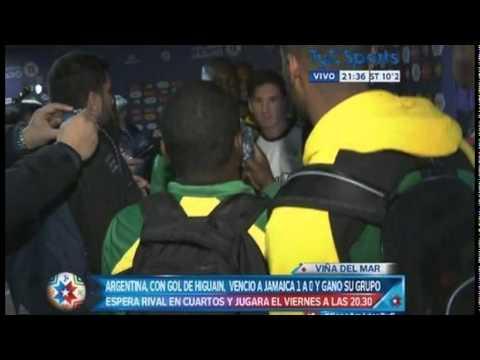 Lionel Messi: jugadores de Jamaica hicieron cola para sacarse foto con él