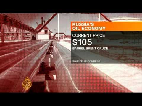Falling oil revenues strain Russia's budget