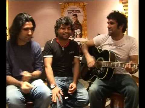 Chandni Chowk to China - Kailash, Naresh, and Paresh singing SIDHU!