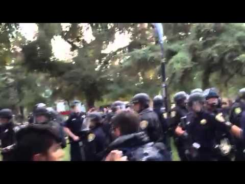 Police pepper spraying and arresting students at UC Davis
