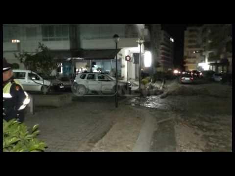 Ora News - Vrasja në Vlorë për një pëllëmbë. 19 vjeçarit i gjenden atletet me gjak