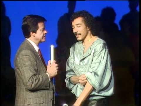 Dick Clark Interviews Smokey Robinson - American Bandstand 1986