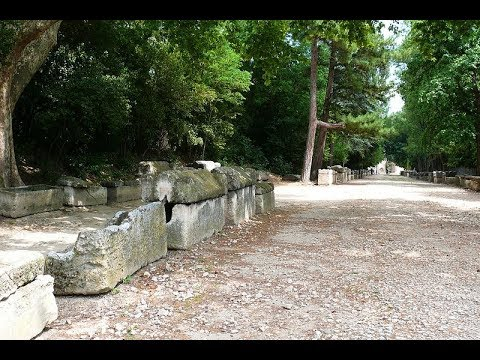 Places to see in ( Arles - France ) Les Alyscamps
